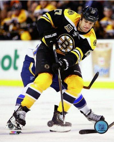 NHL Milan Lucic Boston Bruins 2013-2014 Action Photo #3 (Size: 8