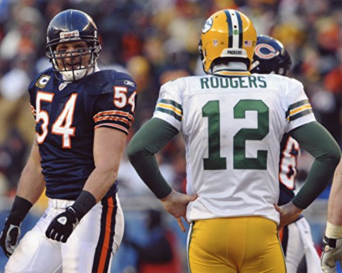 BRIAN URLACHER CHICAGO BEARS-AARON RODGERS GREEN BAY PACKERS 8X10 SPORTS ACTION PHOTO (XL) ()