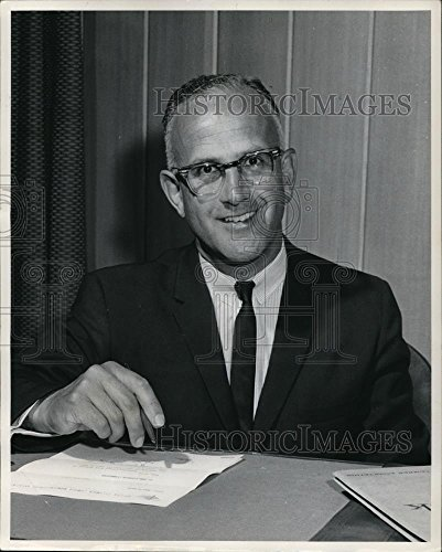 1963 Press Photo G  Noel Harrison Sales Manager Of Lumber Of Rayonier Canada