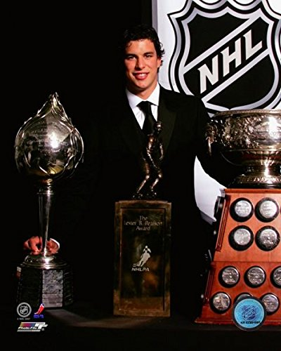 - Sidney Crosby with the 2007 Hart Memorial Trophy Art Ross Trophy and Lester B Pearson Award Photo Print (20 x 24)