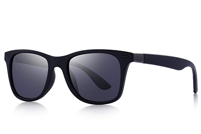 bdfd121507 Amazon.com  OLIEYE Ultra Lightweight Retro Rectangular Rivets Polarized  Sunglasses-100% UV protection  Clothing
