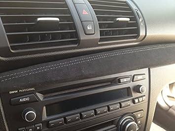 RedlineGoods Dash Pad Cover Compatible con BMW 1-Series E82-E87 2004-13 Alcantara Negra Costura Plata