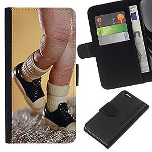 For Apple Iphone 5C Case , Toy Finger Puppet Sneakers Picture - la tarjeta de Crédito Slots PU Funda de cuero Monedero caso cubierta de piel