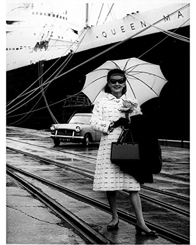 Globe Photos ArtPrints Bette Davis In Front Of The Queen Mary - 8
