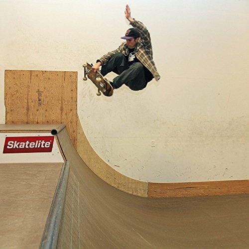 Halfpipe Skateboard Ramp - 1