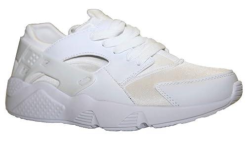 Basket Trés Mode Empiècement sur les ctés Noir ou Blanc Femme Homme du 36 au 45