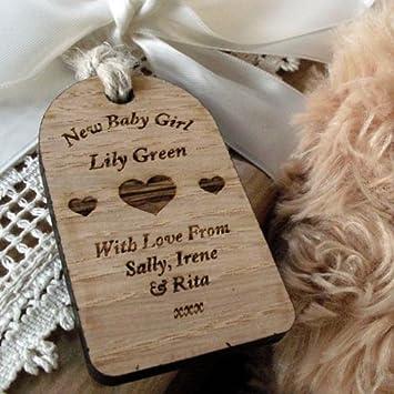 Grabado nuevo bebé niña, de regalo, etiqueta de madera para regalo ...