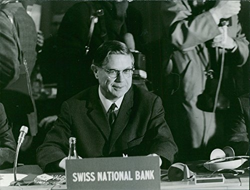 - Vintage photo of Edwin Hopper representing Swiss National Bank during a conference.- Apr 1968