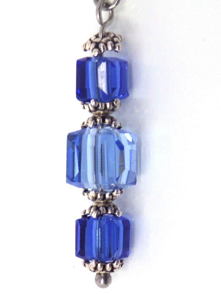 Boucles doreille bleu ciel et bleu clair en verre et acier inoxydable