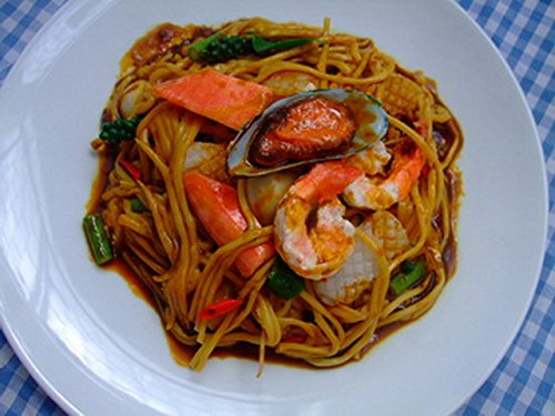 Fake Food Artificial Ingredient for Display on Restaurant Counter, Kitchen Home, Hotel Decorative Hand Made By Artisan - Realistic Seafood Fried Spaghetti