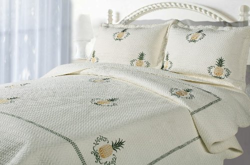 Casual Living Bedding (Casual Living Pineapple Embroidered Quilt and Sham Set,)