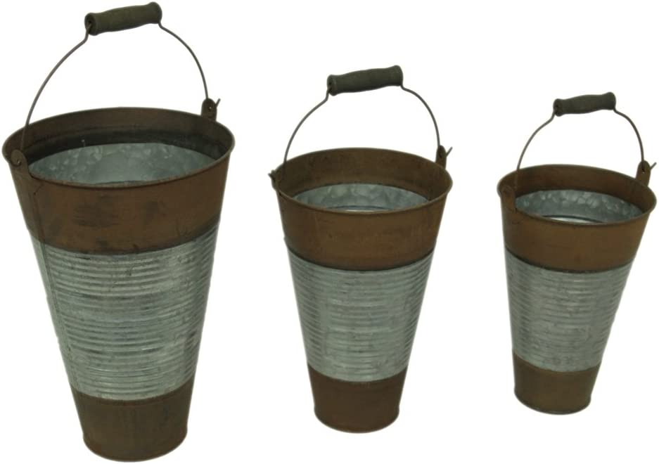 Amazon Com Ribbed Metal 3 Piece Rustic Pail Set With Wood Grip Handles Garden Outdoor