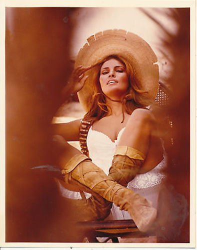 RAQUEL WELCH/100 RIFLES/8X10 COPY PHOTO CC1303