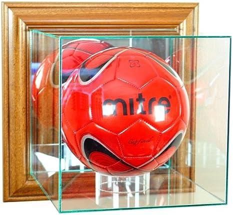 Balón de fútbol montado en la pared vitrina con marco de nogal ...