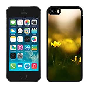 Close Up Yellow Flowers Hard Plastic iPhone 5C Protective Phone Case