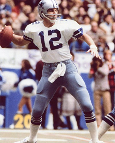 ROGER STAUBACH DALLAS COWBOYS 8X10 SPORTS ACTION PHOTO (PL-1) (Staubach Photograph)