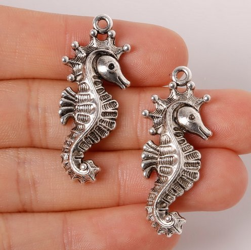 (Antique Silver Seahorse Charms Pendants 15x37mm Set of 8 pcs (NS734))