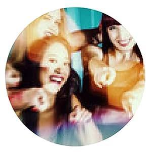 alfombrilla de ratón Mujeres hermosas que bailan en disco o club - ronda - 20cm