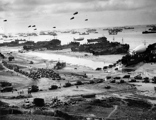 US Soldiers D-Day Invasion Omaha Beach War 2 WWII Photo Canvas Art Print