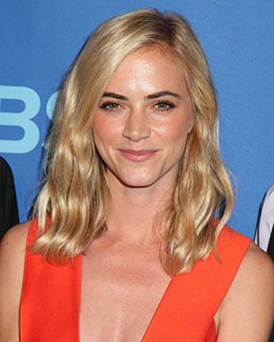 Emily Wickersham   The Sopranos 8 X 10   8X10 Glossy Photo Picture Image  3