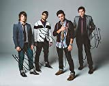 Finding Favour REAL hand SIGNED 8x10 Photo #2 w/ COA Christian Band ALL 4 Band