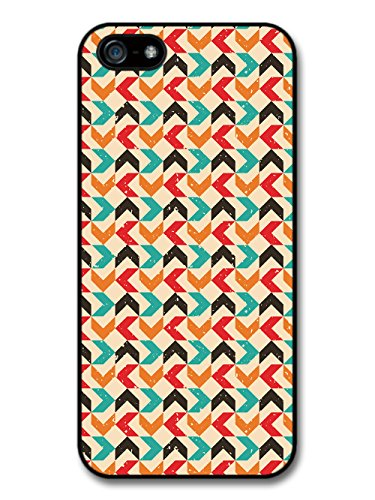 Arrow Pattern in Hand Drawn Style with Turquoise Orange and Red coque pour iPhone 5 5S