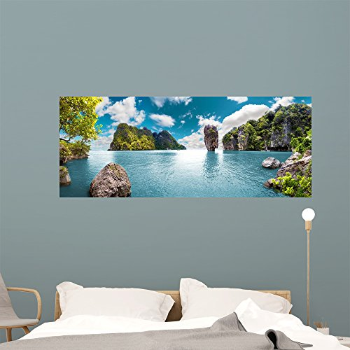 Paisaje Pintorescooceano Y Montanasviajes Wall Mural by Wallmonkeys Peel and Stick Graphic (60 in W x 24 in H) WM360198