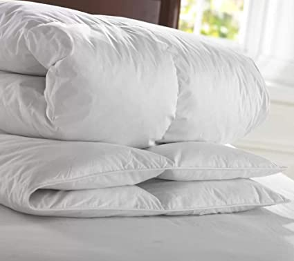 08dede4a3b3a Image Unavailable. Image not available for. Colour: Luxury Hotel Quality  Duck Feather & Down Duvet Quilt 13.5 Tog ...