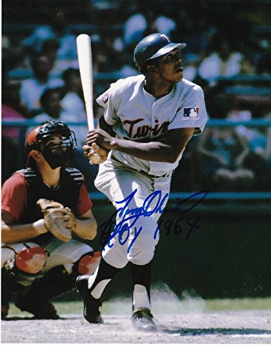 Tony Oliva Signed Picture - ROY 1964 8x10 - Autographed MLB Photos