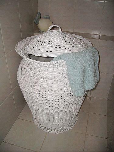 Waschekorb Aus Rattan Weiss Amazon De Kuche Haushalt