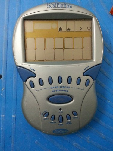 Big Screen SOLITAIRE Handheld Electronic Game/ Radica /2000