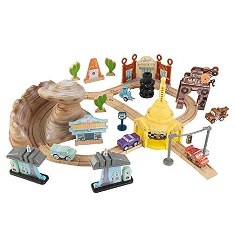 Amazon.com: KIDKRAFT Disney Pixar Cars 3 Radiator Springs 50 Piece ...