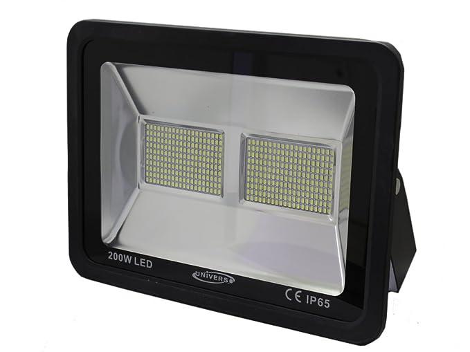 Faro led per esterno e watt luce naturale k
