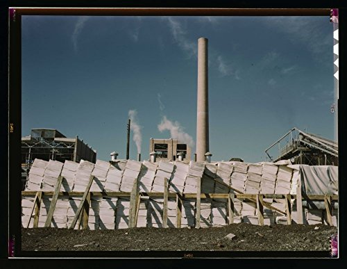 1939 Photo Southland Paper mill, Kraft (chemical) pulp used in making newsprint, Lufkin, Texas Location: Lufkin, Texas