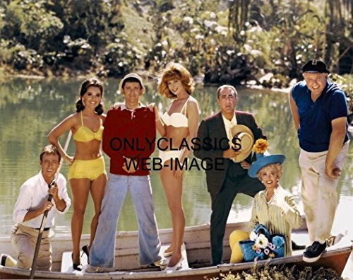 OnlyClassics Gilligan's Island CAST Photo Iconic TV Show Sexy Pinup Girls Mary Ginger ON Boat ()