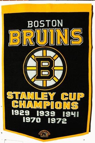 (Boston Bruins 24x36 Wool Dynasty Banner)