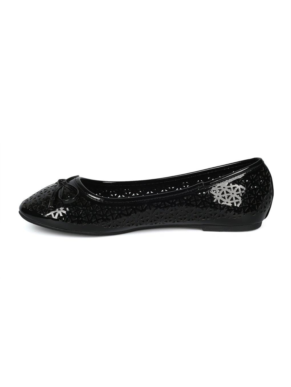 Alrisco Women Round Toe Bow Tie Perforated Ballet Flat HH88 B07D472KJ5 8.5 B(M) US|Black Patent
