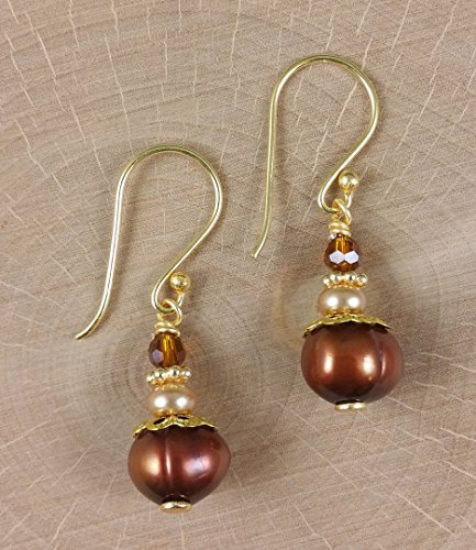 freshwater-copper-pearl-golden-earrings-in-neutral-tones-made-with-petite-glass-crystals-gold