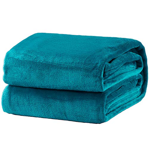 (Bedsure Flannel Fleece Luxury Blanket Peacock Blue Twin Size Lightweight Cozy Plush Microfiber Solid Blanket)