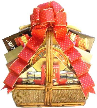 Gift Basket Village Holiday Gift Basket for Christmas, Medium (Gift Baskets For Office Staff)