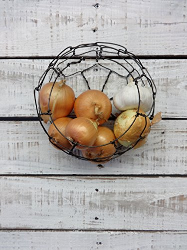 Small Handmade Round Wire Wall Hanging Basket (Wire Wall Basket Planter)