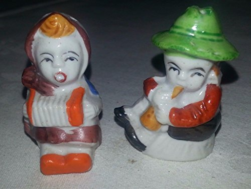 Vintage Signed Japan - Vintage Signed JAPAN Procelain Couple Playing Instruments Salt & Pepper Shakers