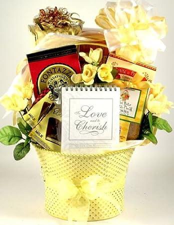 Amazon cheers to the newlyweds romantic gift basket cheers to the newlyweds romantic gift basket wedding gift idea negle Image collections