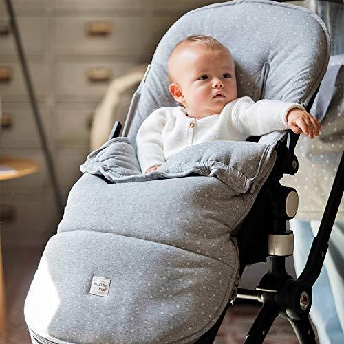 Walking Mum. Saco silla de paseo Dreamer. Funda para silla de paseo. Tejido en punto ideal para invierno. Uso universal. Color Gris/Estampado de estrellas. Medidas 50 x 3 x 8