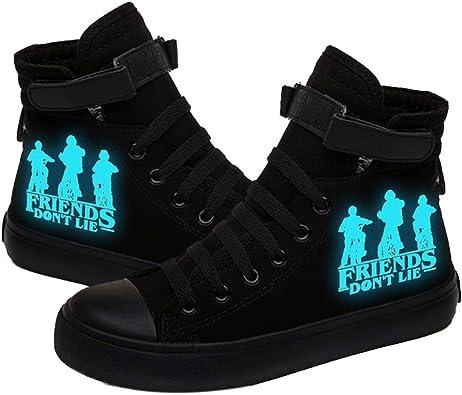Documento irregular Varios  Stranger Things Zapatillas de Lona de Alta Caña Luminosas con Cierre de  Velcro para Hombre Mujer Luminosos Causal Zapatos de Tela Altos Unisex para  Adultos Parejas: Amazon.es: Zapatos y complementos