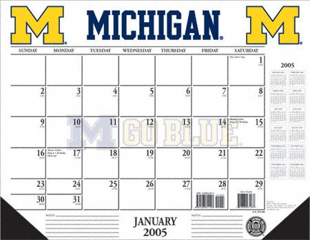 UPC 747883261578, Michigan Wolverines 2005 Desk Calendar