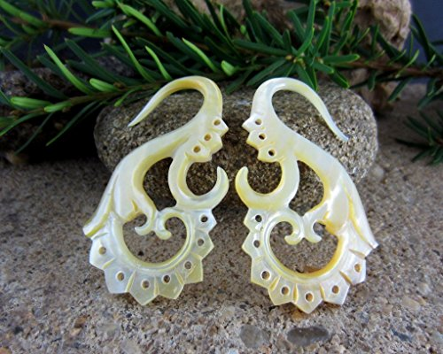 Balinese Shell - Organic, Mother of Pearl Balinese Tribal Body Jewelry Mother of Pearl Shell - 10G