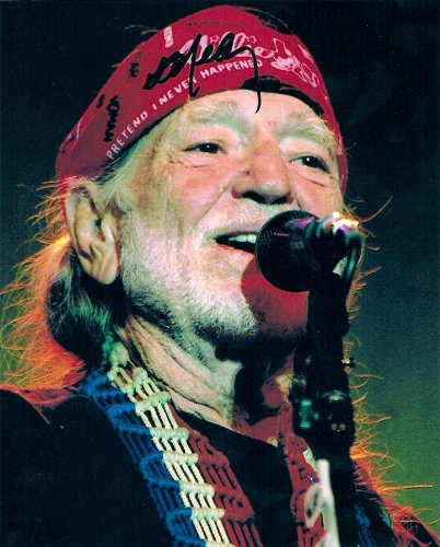 Willie Nelson in Concert Autographed Signed 8 X 10 Reprint Photo - (Mint Condition)