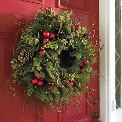 Outdoor Lighted Christmas Wreath Cordless - 1