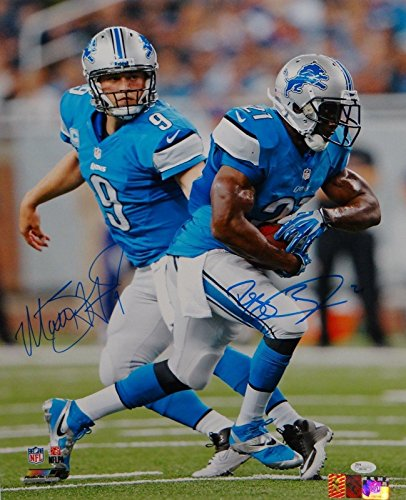 (Reggie Bush Matt Stafford Autographed 16x20 Hand Off Photo- Authenticated - JSA Certified - Autographed NFL Photos)